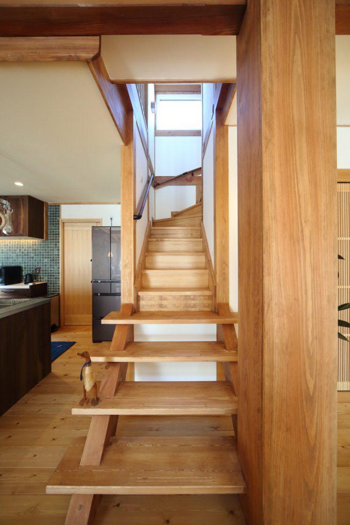 階段 大黒柱